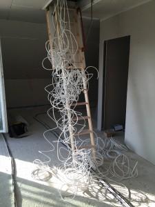 Paar Kabel im Schlafzimmer