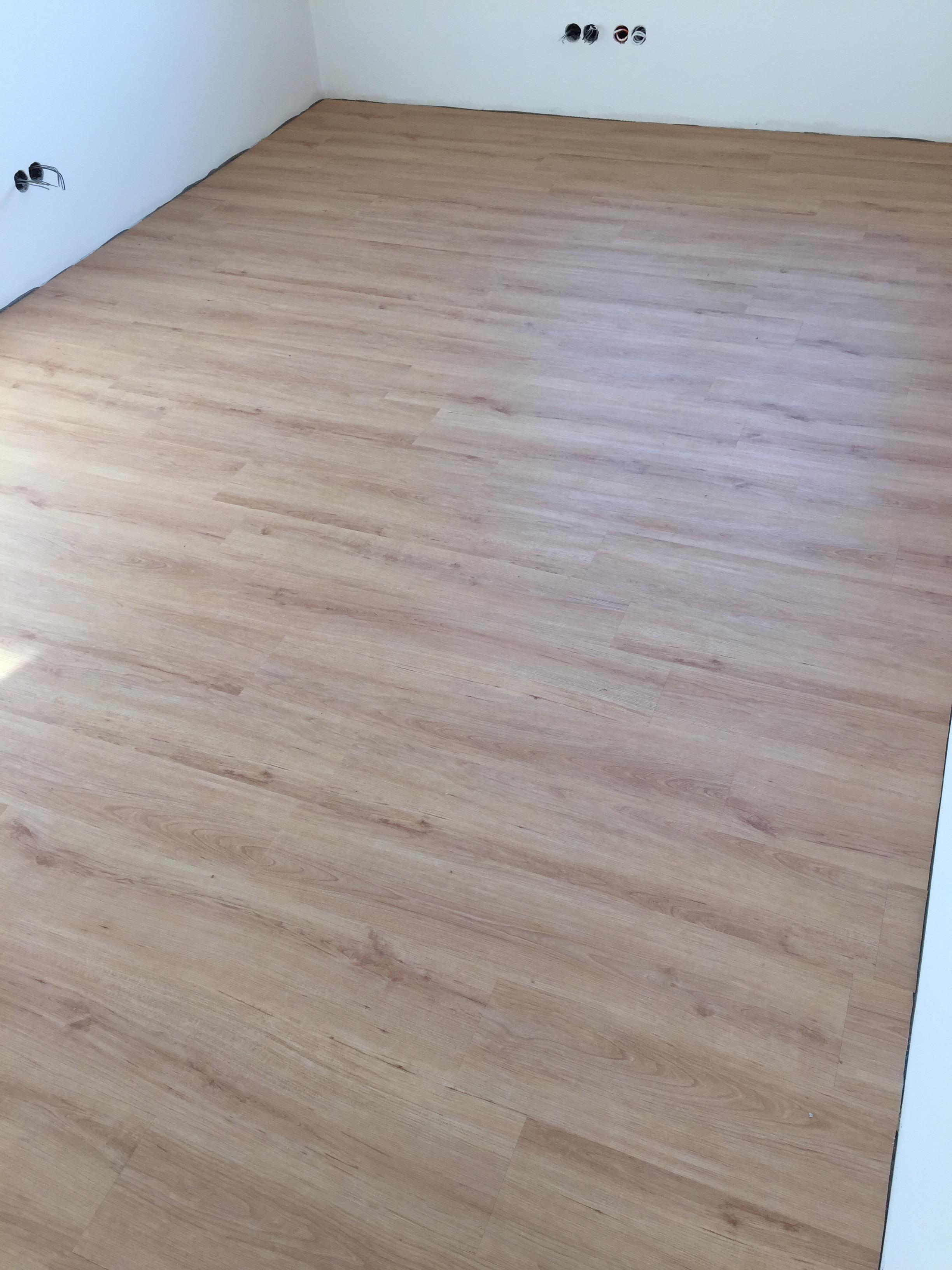 pvc boden entfernen pvc boden kleber vom teppich entfernen wohnung fliesen auf pvc boden oder. Black Bedroom Furniture Sets. Home Design Ideas